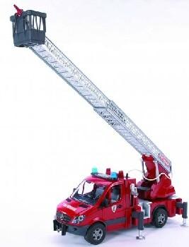 2532 Bruder brandweer Mercedes Benz met licht en geluid