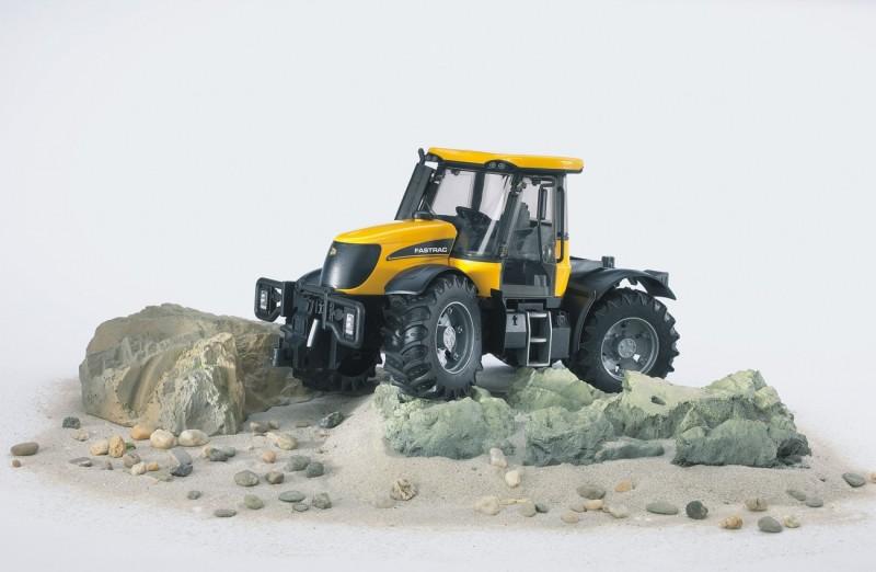 3030 Bruder Tractor Fastrac 3220